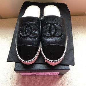 Chanel leather espadrilles - great condition⚫️⚫️